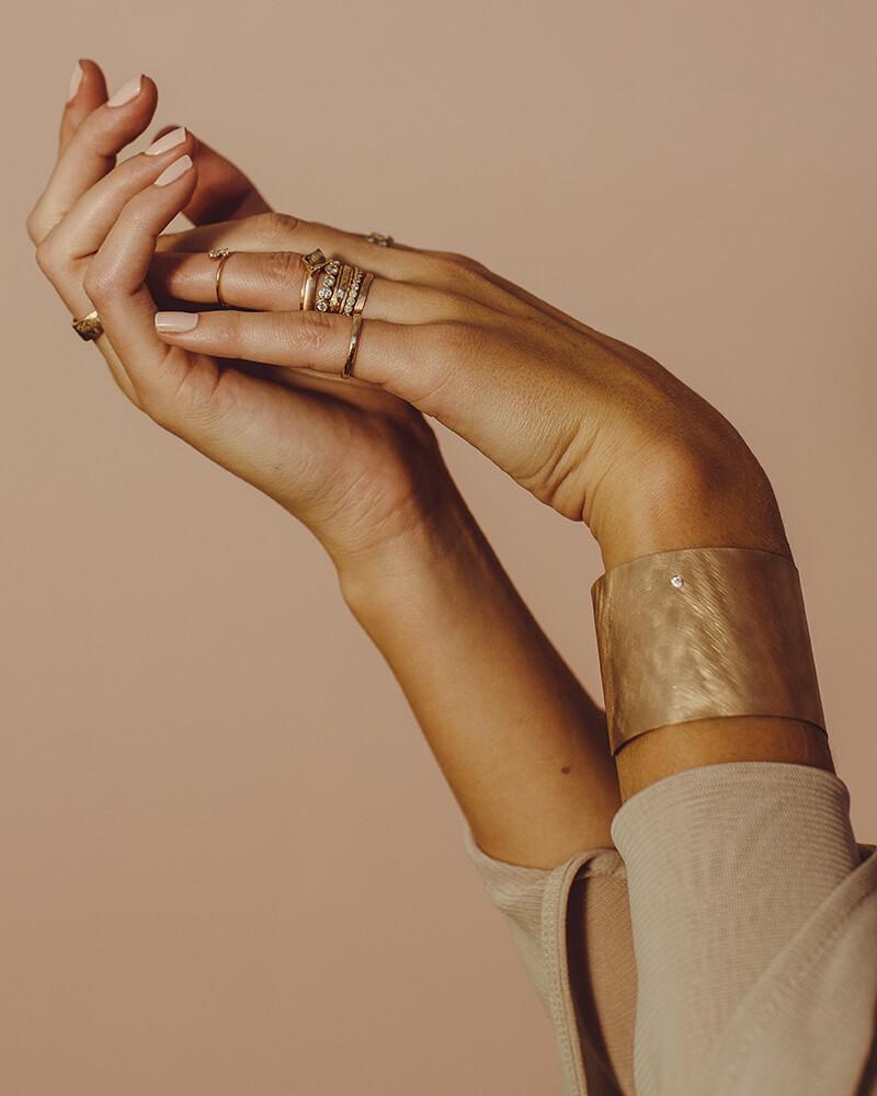 JB-Studio-Hands